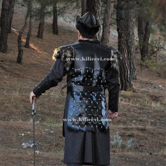 Diriliş Kıyafetleri